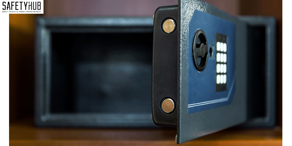 Tiny Things Can be Valuable – Find the Best Small Safe to Protect Them