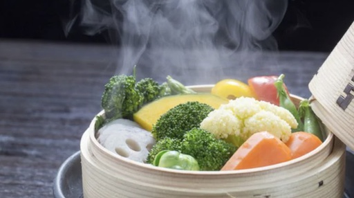 7 Ways to Cook Food and Keep Most of Its Nutrients 1 Steaming copy