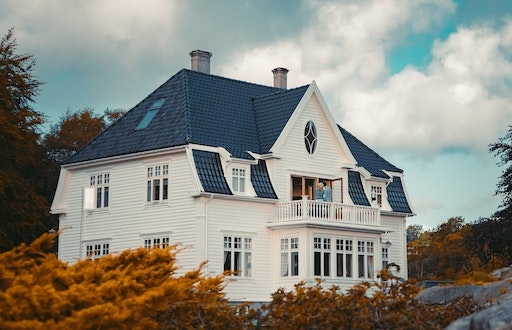 When Should You Hire A Roofing Contractor For Your Home 1 copy